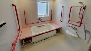 森の明-浴室2