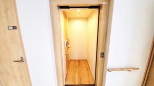森の明-エレベーター