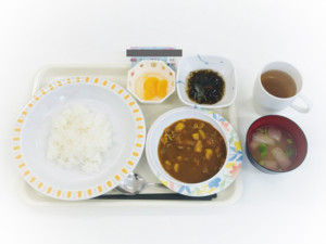 森の明-食事4